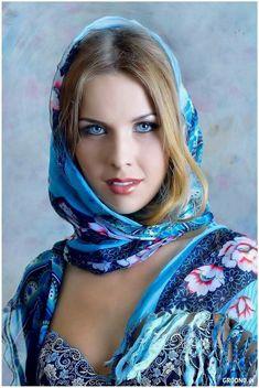 """""""Es difícil juzgar la belleza: la belleza es un enigma"""". Fiodor Dostoievski"""