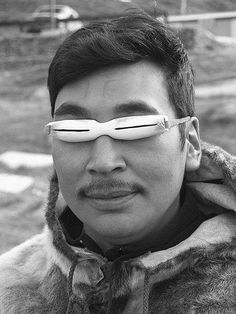 450px-Inuit_snow_goggles