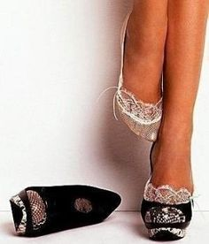 Cuuuute! little lace inserts for shoes. I want!! by reva