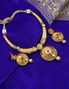 Jewellery Online: Best Women's Designer Jewelry Online Shopping Store Antique Jewellery Designs, Gold Jewellery Design, Antique Jewelry, Girls Jewelry, Trendy Jewelry, Jewelry Art, Antique Necklace, Gold Necklace, Italian Gold Jewelry