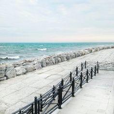 Beach of Caorle, Italy. Italy Italy, Hetalia, Italy Travel, Venice, Stuff To Do, Landscapes, Vacation, Beach, Water