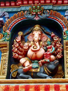 Schrein für den elefantenköpfigen Gott Ganesh am atemberaubenden Tempel von #Madurai #Indien