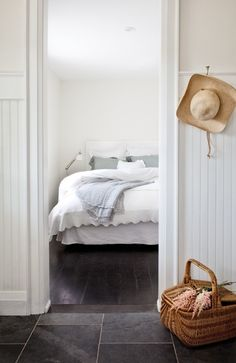 slate tile to dark wood floors. Hardwood Floor Colors, Dark Wood Floors, Slate Flooring, Black Floorboards, Slate Tiles, Wood Tiles, Style At Home, Wood Bedroom, White Bedroom