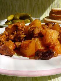 Kiskonyhám ízei: Tepsis brassói Hungarian Recipes, Hungarian Food, Cake Recipes, Good Food, Pork, Food And Drink, Meat, Chicken, Ethnic Recipes
