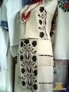 Modern Folk Embroidery Modern spin on Ukrainian embroidery: - Polish Embroidery, Embroidery On Clothes, Folk Embroidery, Embroidered Clothes, Edwardian Dress, Europe Fashion, Folk Costume, Fashion Outfits, Womens Fashion