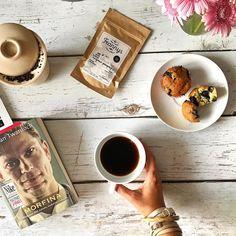 Leje!!! Je je je!!! Od samego rana. Leżeć słuchać deszczu wcinać pyszotki pic kawę i skończyć czytanie książki - to mój plan na dzisiaj  #psc #paniswojegoczasu #niedziela #sunday #weekend #relaks #relax #readingisfun #readingtime #czytambolubie #czytam #czytambolubię #czytamy #ksiazka #książka #ksiazki #książki #books #bookstagram