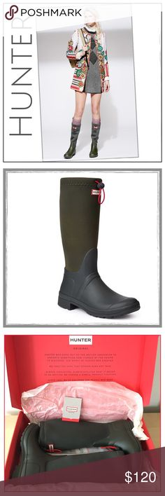 ✨Hunter Original Tour Neoprene Boots✨ The Original Tour Neoprene boot is constructed from soft neoprene, allowing the boot to be folded for easy transportation✨A drawstring at the top enhances the waterproof design by bringing in the top to stop the entry of water✨The design retains many of the key features of the traditional Hunter boot, including the moustache and high-traction tread✨Color is Dark Olive✨Size 7✨ Hunter Boots Shoes Winter & Rain Boots