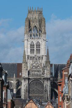 Clocktower_of_Abbaye_Saint-Ouen,_South-East_View_140215_1.jpg (3017×4520)