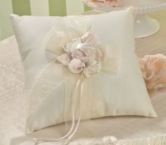 Amour Wedding Accessories Ring Pillow, Ivory