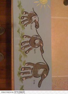 More hand print elephant art. How adorable Cute Crafts, Crafts To Do, Crafts For Kids, Arts And Crafts, Projects For Kids, Diy For Kids, Craft Projects, 3 Kids, Children