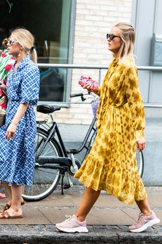 Moda e Street Style della Milano Fashion Week - settembre 2018 Mode Outfits, Skirt Outfits, Fashion Outfits, Womens Fashion, Fashion Tips, Street Style Vintage, Look Street Style, Spring Summer Fashion, Spring Outfits