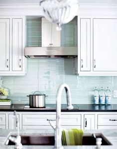 This stacked glass tile backsplash in kitchen by Aly Velji provides calm and serene ambiance for the home. Tile used for this kitchen inspiration is the Loft Blue Gray Polished X available at Glass Tiles Store. Glass Backsplash Kitchen, Glass Kitchen, Kitchen Redo, New Kitchen, Kitchen Remodel, Glass Tiles, Backsplash Ideas, Glass Bathroom, Blue Kitchen Backsplash