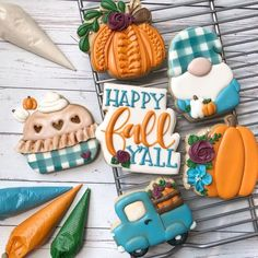Pumpkins and pies oh my! Amazing cookies from 🍂 Crazy Cookies, Cut Out Cookies, Cute Cookies, Cupcake Cookies, Cupcakes, Fall Decorated Cookies, Fall Cookies, Iced Cookies, Frosted Cookies