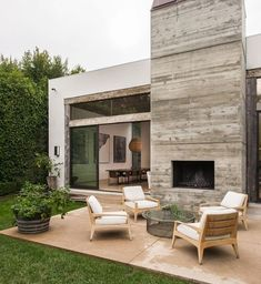 Nowy dom Rosie Huntington-Whiteley i Jasona Stathama, fot. East News