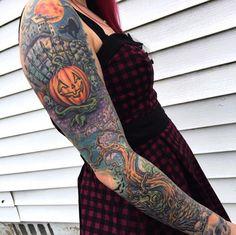 40 Must-See Tattoos For Halloween - Diy Tattoo Diy Tattoo, Tattoo Blog, Future Tattoos, Love Tattoos, Body Art Tattoos, Tatoos, Full Sleeve Tattoo Design, Full Sleeve Tattoos, Tattoo Sleeves