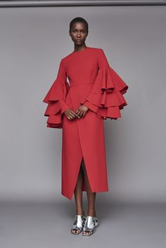 Solace London Minelli Dress Dark Red from Fall Winter Long sleeved midi dress with dramatic tiered ruffled sleeves and cut with a laser finish. African Fashion, Red Fashion, Womens Fashion, Jessica Parker, Lilac Dress, Long Sleeve Midi Dress, Classy Dress, Evening Dresses, Fashion Dresses