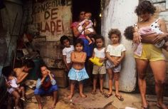 SLUMS, BRAZIL. Rio de Janeiro. Favela Rocinha. This is the largest shanty town in Rio, housing tens of thousands of the city s poorest families. CDREF00279