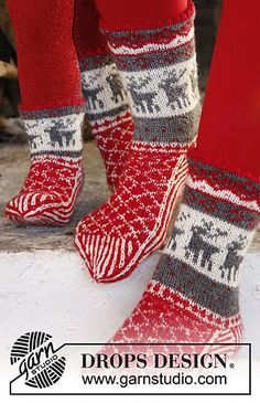 "DROPS Christmas: Knitted DROPS socks with Norwegian pattern in ""Fabel"". Free pattern, fingering weight"