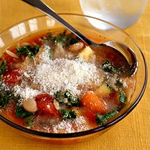 Weight Watcher Minestrone with Kale - 3 pt.  Delicious and filling.  Serve with garlic bread.  You may sub spinach for kale.