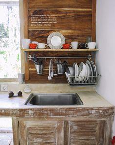 Uma casa quase brasileira em Bali. Veja: http://casadevalentina.com.br/blog/detalhes/uma-casa-quase-brasileira-em-bali-2842 #decor #decoracao #interior #design #casa #home #house #idea #ideia #detalhes #details #style #estilo #casadevalentina #kitchen #cozinha
