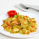 Un primo ricco e impreziosito dai gamberi e dalle zucchine: prova i pansotti nella ricetta di Sale&Pepe.