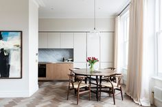Discover smart and stylish ideas for dining rooms from The List members on HOUSE - design, food and travel by House & Garden. Kensington House, Open Plan Kitchen Living Room, Living Styles, Dining Area, Dining Rooms, Modern Kitchen Design, Apartment Living, Kitchen Interior, Home And Garden