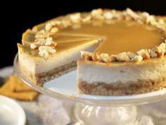 New cheese cake recette caramel Ideas Baking Recipes, Dessert Recipes, Caramel Tart, Cooking Cake, Cooking Food, Cake Factory, Salted Butter, Yummy Cakes, Food Network Recipes