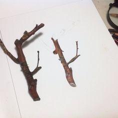Work in progress. Grapevine clipping.  #naturedrawing #natureart #branch #botanical #botanicalart #botanicalstudy #pencilart #pencildrawing #prismapencil #pencilart #instart #artwork #sketchbook #amatureart #beyondrealistic #realismart #realism #wip #illustration #natureillustration by sonya_batten