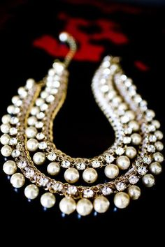 Diamond and pearl statement necklace. Indian bridal jewellery.