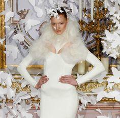 El look Reina de las nieves de Alexis Mabille Alta Costura Primavera/Verano 2014