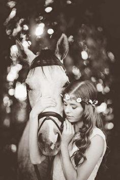 Prachtige foto. Meisje met paard