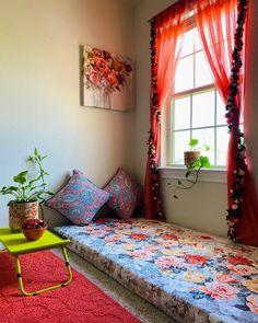 India Home Decor, Ethnic Home Decor, Easy Home Decor, Home Decor Furniture, Home Decor Bedroom, Diy Room Decor, Indian Home Interior, Home Interior Design, My Living Room