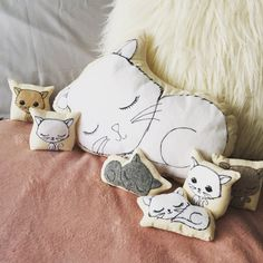 Pattern to make puppies & kittens