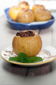 These Honey Almond Baked Apples are a clean eating dessert that your family will love. It is filled with almonds, honey, cinnamon and more.