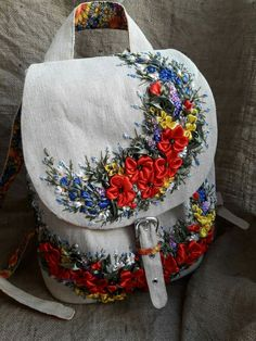 Wonderful Ribbon Embroidery Flowers by Hand Ideas. Enchanting Ribbon Embroidery Flowers by Hand Ideas. Embroidery Bags, Silk Ribbon Embroidery, Embroidery Stitches, Embroidery Patterns, Embroidery Supplies, Ribbon Art, Ribbon Crafts, Ribbon Flower, Band Kunst
