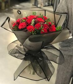 Things to Know about Deals on Valentine's Day Flowers Online Boquette Flowers, How To Wrap Flowers, Beautiful Bouquet Of Flowers, Luxury Flowers, Beautiful Flower Arrangements, Pretty Flowers, Doodle Flowers, Flower Bouquet Diy, Red Rose Bouquet