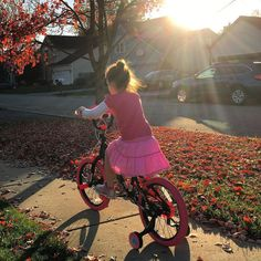 "Finley is doing so good on her new ""big girl"" bike. Wonder how long the training wheels will be on?  This is the 18"" Sparkle Freestyle BMX that @kentbicycles sent us for the #HolidayWishGuide. Stay tuned for a feature on my site soon... #PedalTogether  #fall #parenting #pin"