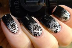 Nail art // 40 Great Nail Art Ideas - black & white