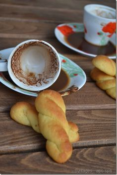 coffee and fortune? Greek Sweets, Greek Desserts, Greek Recipes, Desert Recipes, Easy Desserts, My Recipes, Cooking Recipes, Greek Cookies, Orange Cookies