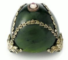 Jade, sapphire and gold bellpush, by Fabergé, circa Russian Beauty, Russian Art, Ring My Bell, My Life Style, Faberge Eggs, Imperial Russia, Beaded Rings, 30, Jewelery