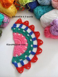 ElenaRegina wool: Maglia color parte 3 of 4 crochet shawl made of motifs Crochet Art, Crochet Motif, Crochet Shawl, Crochet Crafts, Crochet Stitches, Crochet Projects, Crochet Bracelet Pattern, Crochet Bikini Pattern, Crochet Blouse