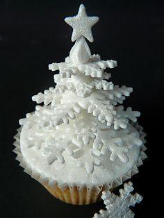 snowflake tree cupcakes