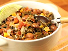 Slow cooker vegan spicy pinto bean chili with corn and kaley