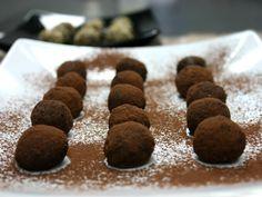 τρουφάκια σοκολατένια σαν πλασμένα από πηλό - Pandespani.com Mood, Cookies, Chocolate, Desserts, Crack Crackers, Postres, Biscuits, Deserts, Chocolates