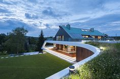 Urban house design in mountain environment by Mobius Architecture