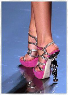 Mode Germany: Schuhe von Christian Dior