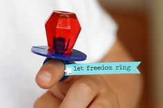 This would be a cute party favor for my cousins (4th of July) birthday!!