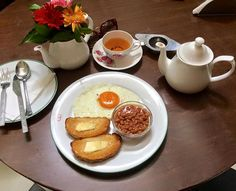 Light and simple breakfast for today - eggs, toasted bread and beans..and of course, TEA! 😍