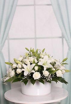 White Flower Arrangements, Flower Arrangement Designs, Artificial Flower Arrangements, Artificial Flowers, Lily Centerpieces, Altar Flowers, Nylon Flowers, Funeral Arrangements, Sympathy Flowers