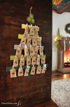 A daring 33 Superb Natal Diy Gallery can change your house design instantly and entirely! See ideas on how you can make it part of your home decor beautifully here! Christmas Countdown, Christmas Tree Advent Calendar, Diy Advent Calendar, Christmas Canvas, Days To Christmas, Diy Christmas Tree, Christmas Decorations, Countdown Calendar, Diy Xmas